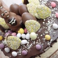 Dripcake Paastaart met Witte Chocolademousse