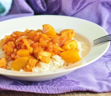 Pilav met kip, perzik en witte rijst