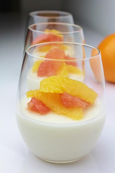 Vanille-Melkpudding met grapefruit & sinaasappel