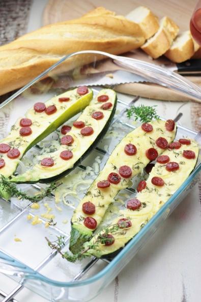 Gegratineerde courgettes met salami