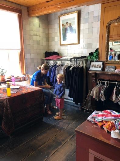 Je kinderen aankleden in ouderwetse klederdracht